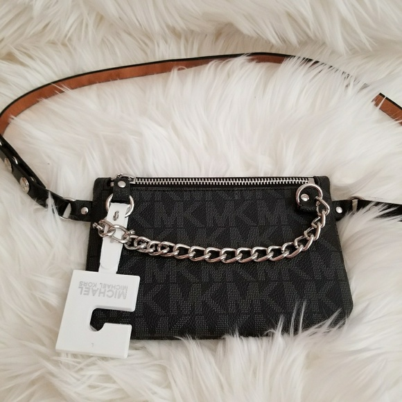 a2b29770dc19cc Michael Kors Accessories | Black Chain Signature Fanny Pack Belt ...